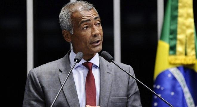 Romário foi condenado a pagar uma dívida de R$ 408.799,47