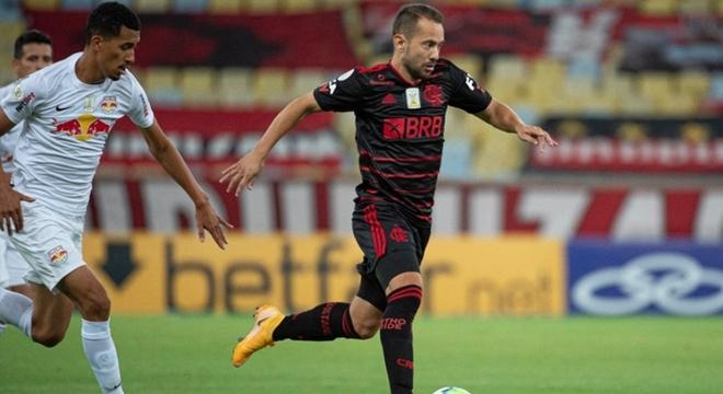 Everton Ribeiro esteve em campo na quinta, pelo Flamengo, após jogar pelo Brasil na terça