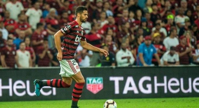 Pablo Marí está fora da partida contra o Grêmio, neste domingo