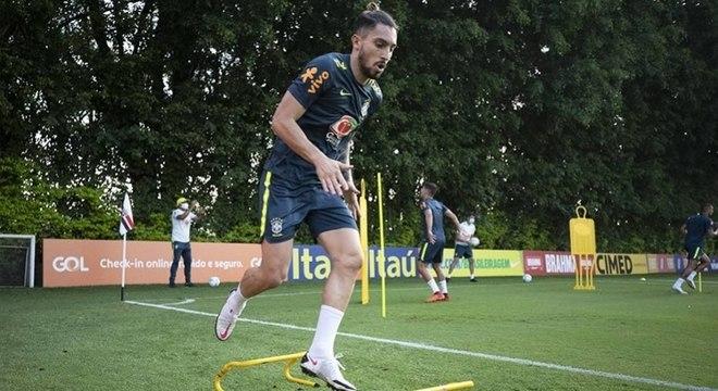 Alex Telles foi titular na última partida da seleção brasileira pelas Eliminatórias 2022