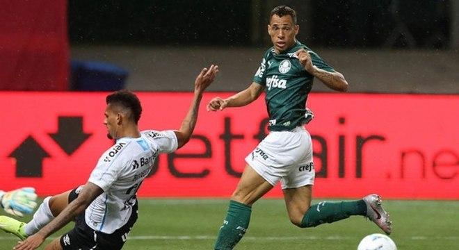 Palmeiras perdeu muitos gols e levou o empate do Grêmio já no fim