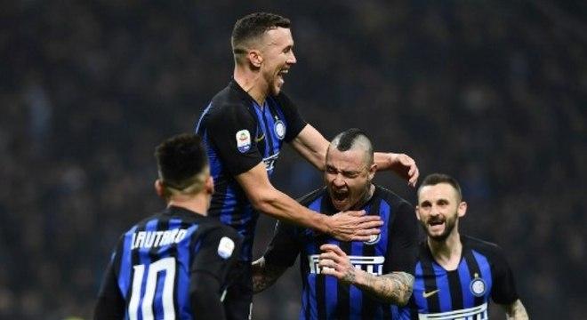 3ff089d1aa Inter bate a Samp e se consolida na terceira colocação do Italiano ...