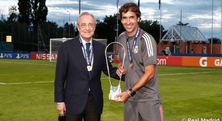 Florentino Pérez, presidente do Real Madrid, e Raúl, ex-atacante espanhol, ídolo do clube merengue