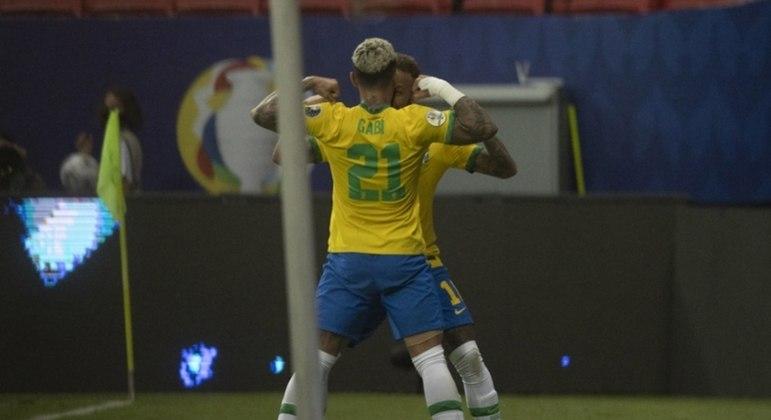 Autor de um gol na estreia, Gabigol pouco participou do jogo contra o Peru