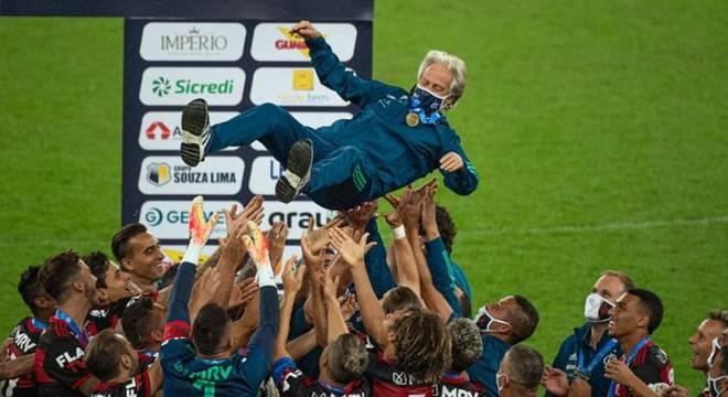 Jorge Jesus teve passagem extremamente vencedora pelo Flamengo