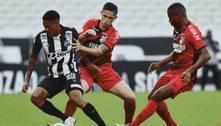 Ceará marca nos acréscimos e derrota Athletico na Arena Castelão
