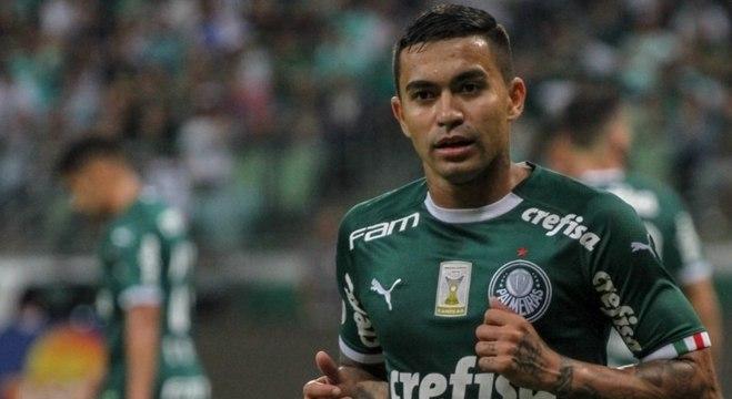 Dudu é quem mais sofreu falta e deu assistência e cruzamento no Brasileiro