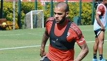 Daniel Alves se pronuncia após rescindir contrato com o São Paulo