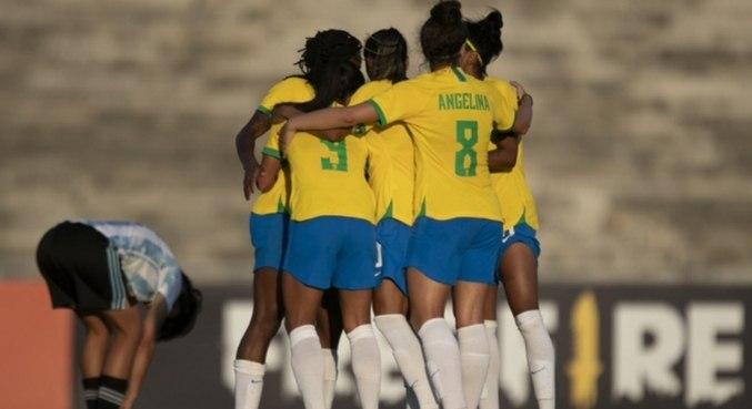 Brasileiras venceram em primeiro jogo do novo ciclo de Pia Sundhage