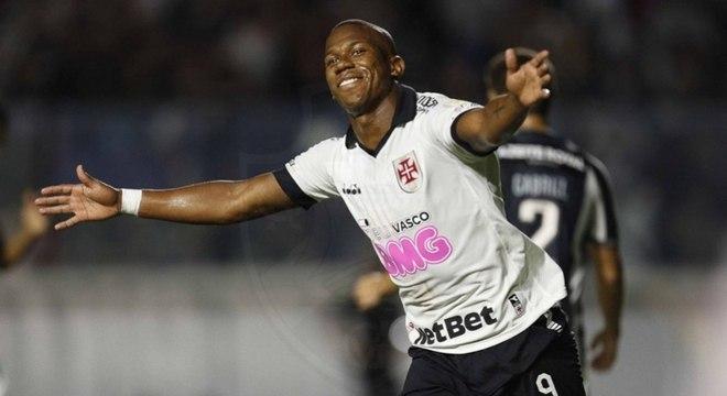 Ribamar fez o gol da vitória do Vasco contra o Botafogo