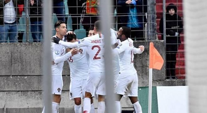 Cristiano Ronaldo fez gol 99 com camisa de Portugal