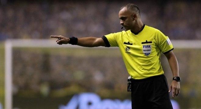 Wilton Pereira Sampaio será o árbitro contra o São Paulo