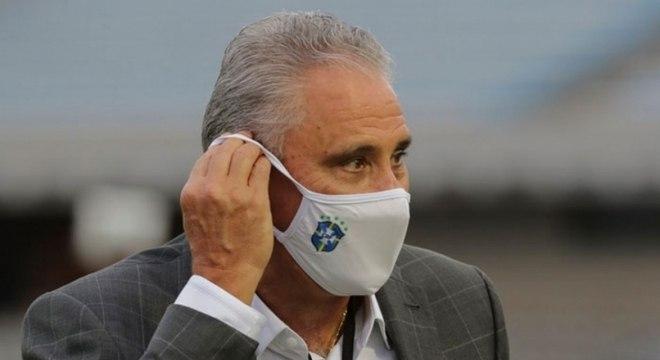 Tite ficou satisfeito com a postura dos jogadores na vitória do Brasil