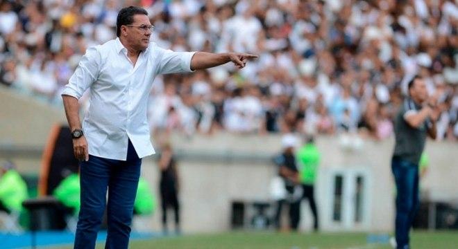 Vanderlei Luxemburgo acertou por duas temporadas com o Palmeiras