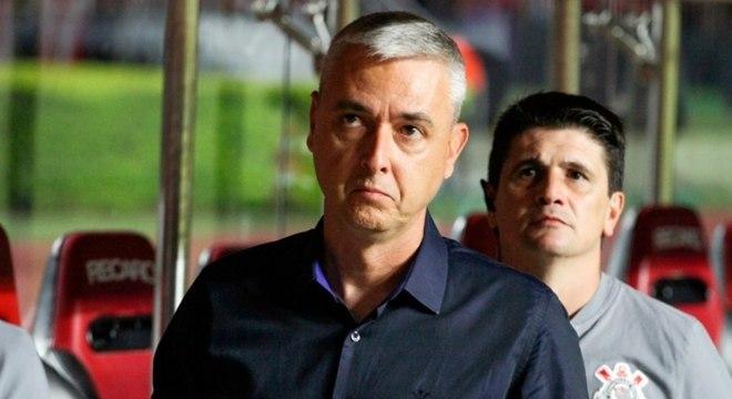 Tiago Nunes tem semana livre para trabalhar a equipe do Corinthians