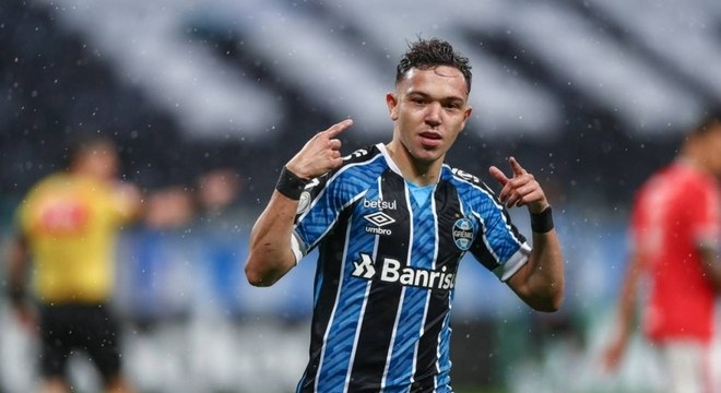 Pepê faz uma grande temporada com a camisa do Grêmio