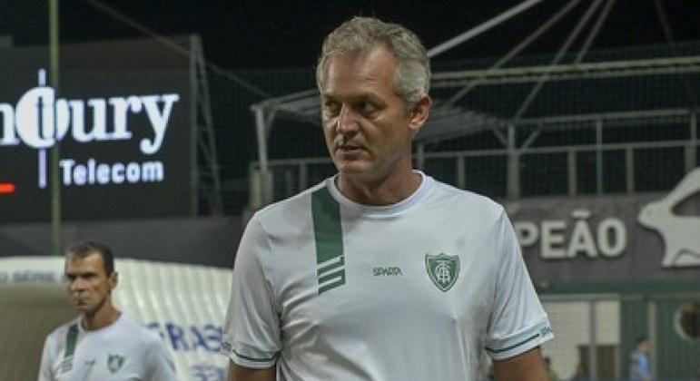 Corinthians descarta contratar Lisca Doido, atualmente no América-MG