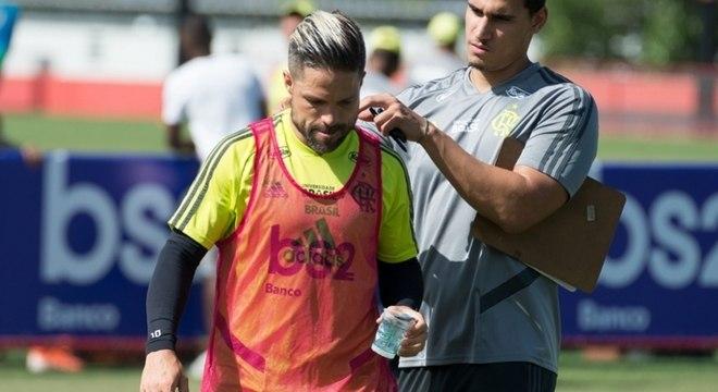 Diego foi muito criticado pela torcida após pênalti perdido