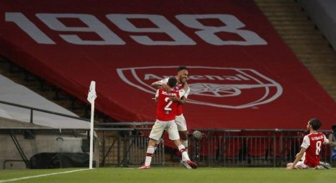 Aubameyang marcou os dois gols do Arsenal no jogo