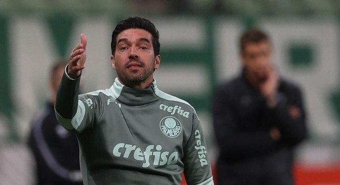 """""""Confio em todos os jogadores"""", afirmou o treinador português"""