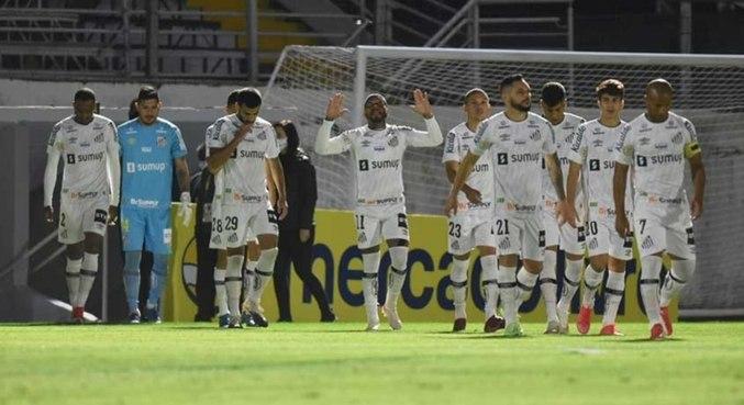 Marcos Leandro marcou o gol de empate no fim do jogo