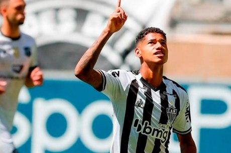 Marrony fez dois gols contra o Ceará