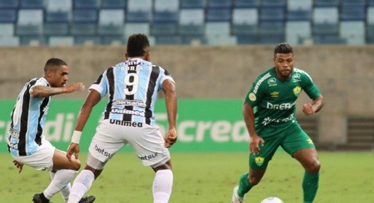 Grêmio venceu apenas seu terceiro jogo no Brasileirão