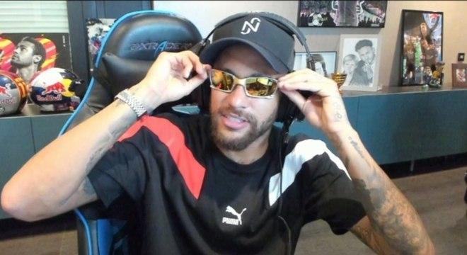 Neymar vazou telefone do amigo Richarlison em live
