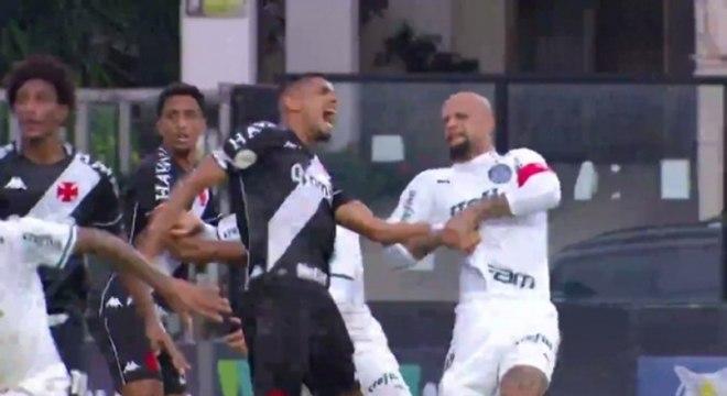 Felipe Melo deu 'chave de braço' em Léo Matos, do Vasco
