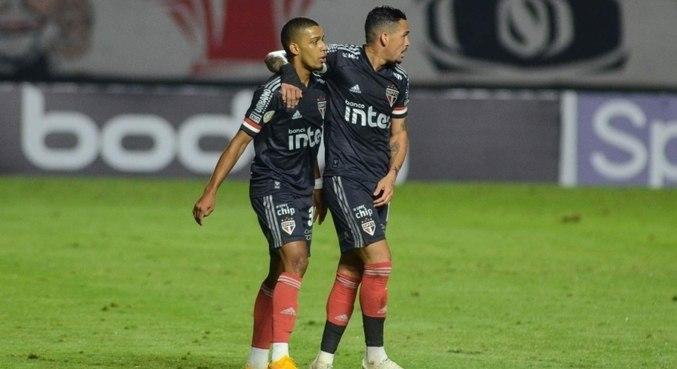 Brenner vem em seca de gols sem Luciano no ataque