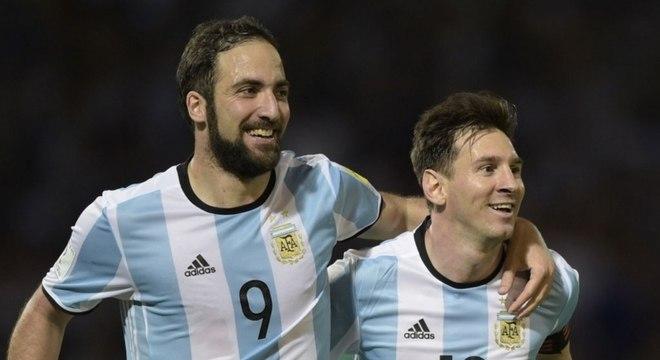 Messi nos Estados Unidos? Higuaín tenta levar o amigo Messi para a MLS