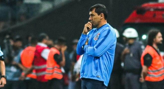 Técnico Fábio Carille está pressionado no comando do Corinthians