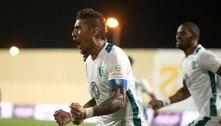 Livre no mercado, Paulinho já mantém conversas no Corinthians