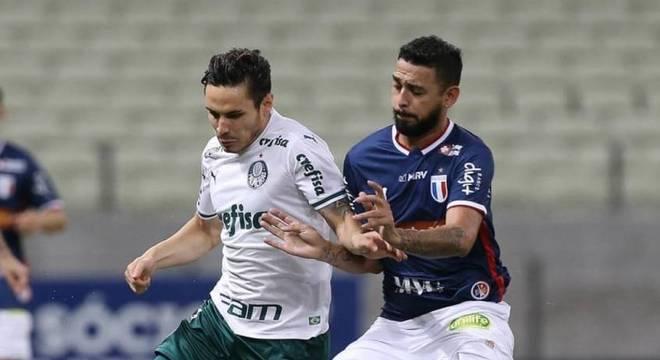 O Palmeiras foi superado pelo Fortaleza e perdeu a quarta seguida no Brasileirão