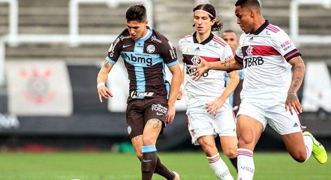 Corinthians mostrou falhas na marcação em goleada sofrida
