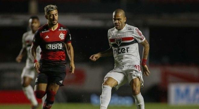 Daniel Alves foi importantíssimo para a vitória do São Paulo