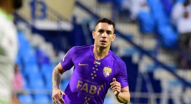 Atacante ex-Botafogo se naturaliza e pode jogar pelos Emirados Árabes