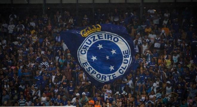 Após reclamações de torcedores, Cruzeiro libera mais ingressos para sócios na estreia do Mineiro
