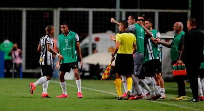 Galo teve boa atuação diante dos argentinos do Unión Santa Fé