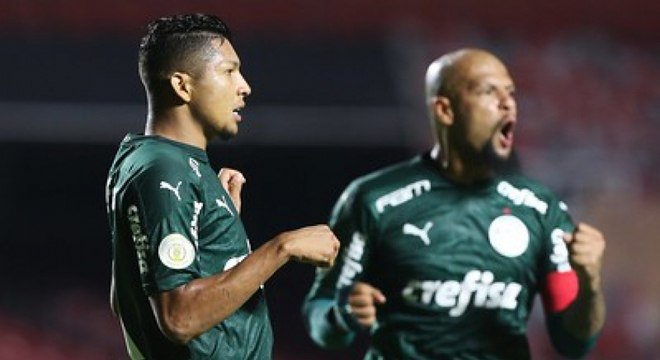 Rony e Felipe Melo comemoraram muito o gol de empate no fim