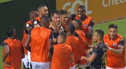 Vizeu marcou um dos gols da vitória do Ceará