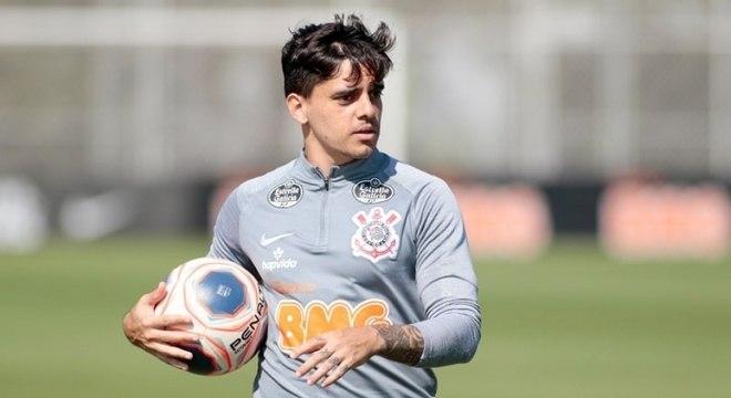 Fagner é o 23º jogador com mais jogos na história do Corinthians