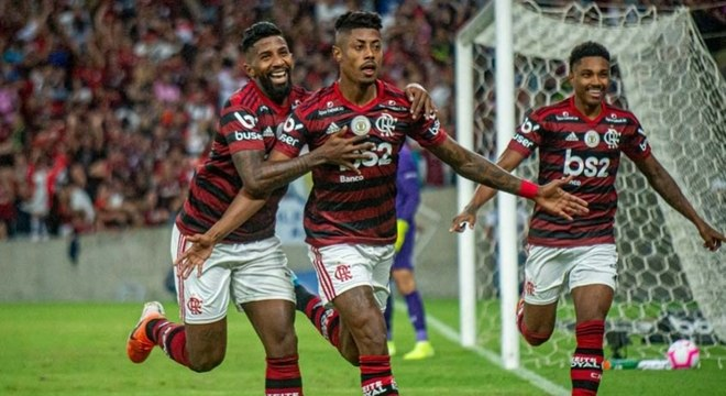 Bruno Henrique comemora gol do Flamengo