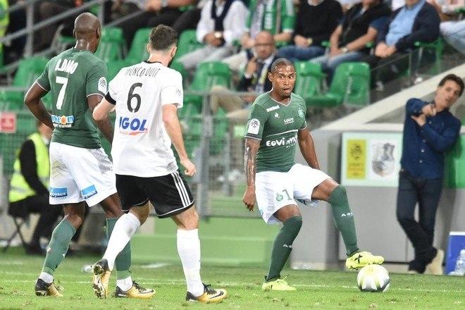 Ex-Palmeiras, Gabriel Silva atualmente veste as cores do Saint-Étienne, da França
