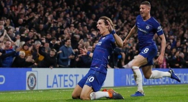 O Barcelona cogita o brasileiro do Chelsea