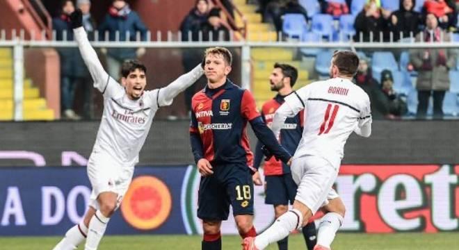 Borini fez o primeiro gol do Milan na partida