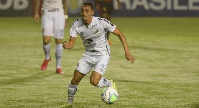 Volante Diego Pituca foi negociado pelo Santos com o Kashima Antlers