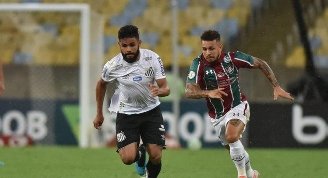 Equilíbrio marca histórico dos duelos entre Santos e Fluminense