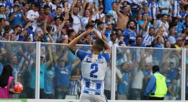 Luan Pereira manda mensagem após gol no tempo normal