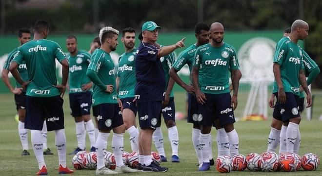 Palmeiras tem compromisso contra o Godoy Cruz, na terça-feira (23)